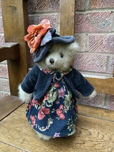 The Bearington Collection Bear (Rare) Aida Crumpet. 10in tall. 1525