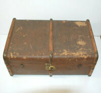 Vintage Travel Trunk Suitcase for Display Props Décor Storage