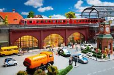 Faller 120571, Arkaden mit Geschäften mit Einrichtung, neu, OVP, Brücke, S-Bahn
