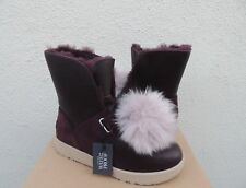 UGG ISLEY LEATHER/ SHEEPSKIN WATER-PROOF WINTER POM POM BOOTS, US 8/ EUR 39 ~NEW