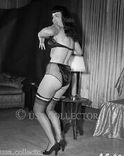 RARE ORIGINAL VINTAGE 1950's BETTIE BETTY PAGE PIN UP NEGATIVE IRVING KLAW 8032