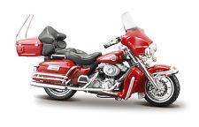 Harley-Davidson 2005 FLHTCUI Ultra Classic Electra Glide  M = 1:24 v maisto