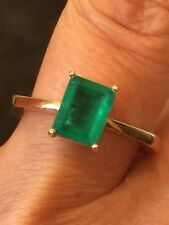 COLOMBIAN EMERALD RING 18 KT YELLOW GOLD
