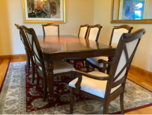 Broyhill Furniture Dining set with 8 chairs