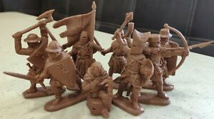 Plastic Toy Soldiers Crusades. Knights Order of the Swordsmen NEW!!! 1/32 54 mm