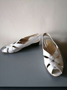 Ladies CLARKS White Leather Low Wedge Heel Slingback Summer Sandals - UK Size 8