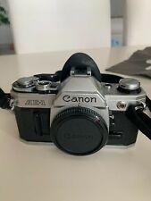 Macchina fotografica analogica vintage CANON AE-1 Reflex 35mm con obiettivi