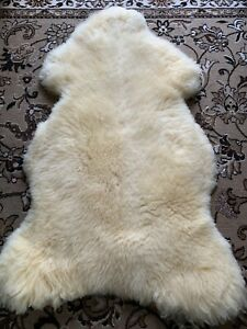 Sheepskin Lambskin Rug Fur Baby Fur Medizinisch Tanned: 53 1/8x29 1/8x2 3/8in