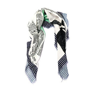 SOFT NECK BAMBOO AND COTTON PRINTED SQUARE POCKET SCARF EVERYDAY ESSENTIAL