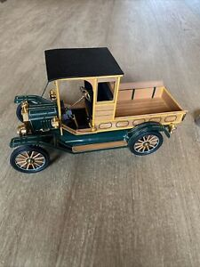 FRANKLIN MINT 1913 FORD MODEL T PICK-UP TRUCK 1:16 SCALE