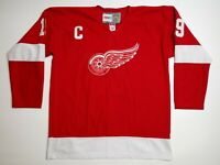 Vintage Hockey CCM Detroit Red Wings Steve Yzerman 19 NHL Jersey Fright Strap 50