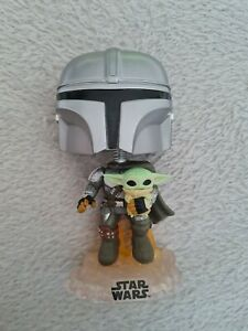 Funko Pop! Star Wars The Mandalorian Flying with Jet Pack Figure