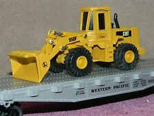 LIONEL #6-17517 WESTERN PACIFIC 40ft FLAT CAR w/DIE CAST CATERPILLER LOADER NIB!