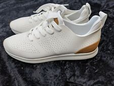 NEW IN BOX STEVE MADDEN SIZE 9.5 M WHITE SNEAKERS SHOES P-SCARPE FAUX LEATHER