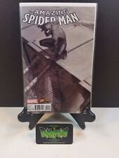Amazing Spider Man #15 Comicxposure B/W Variant NM Marvel Comics Gwen