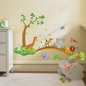 Wandtattoo Tiere passieren Brücke Hase Giraffe Löwe Elefant Kinderzimmer (6245)