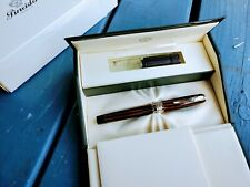 PINEIDER ARCO BLUE BEE LIMITED EDITION FOUNTAIN PEN .