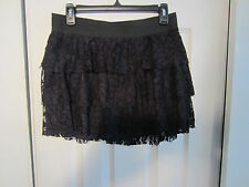 BLACK LACE ELASTIC BAND MINI SKIRT FROM HOT TOPIC SIZE X SMALL.