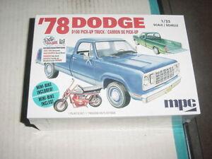 MPC 1978 Dodge D100 pick up truck model kit 1/25 scale