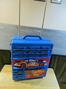 1997 Tara Hot Wheels Rolling car case holds 100 1:64 cars age 5 and up #20375