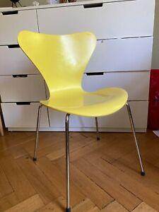 Arne Jacobsen Fritz Hansen Stuhl gelb