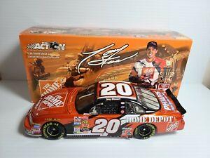 2002 Tony Stewart #20 Home Depot Championship Pontiac 1:24 NASCAR Action MIB