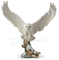 FLYING SNOWY OWL home decor figure statue sculpture wildlife Animal