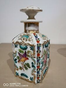 ancien flacon parfum porcelaine de paris décor polychrome oiseaux et papillon