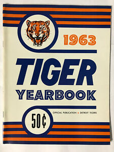 Vintage 1963 Detroit Tigers Official Yearbook in NEAR MINT CONDITION