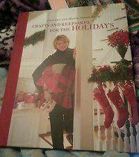 Christmas with Martha Stewart Living by Oxmoor House Staff and Martha Stewart...