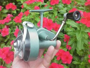 ** Vintage & UNUSUAL ** SILENT SPIN FLYTE ** Spinning Reel ** Made in Germany **