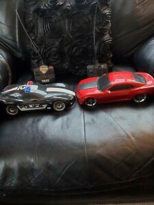 Jada R/C Chevy Camaro SS and Chevy Corvette Stingray Badge City Heat Remote Cars