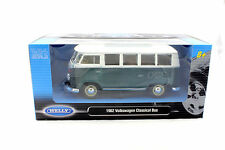 Welly 1962 VOLKSWAGEN CLASSICAL BUS GREEN WHITE TOP 1/24 Diecast Car