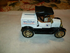 """Ertl #9194UO 1:25 """"Independence, Iowa 1987 4th of July"""" 1918 Ford Runabout Bank"""