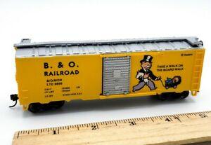 Bachmann HO Scale Monopoly B. & O. RAILROAD Box Car w/ Sliding Side Door