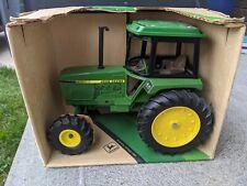 Ertl John Deere Utility Fwa Tractor 1/16 scale Nib in Box # 501