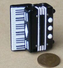 SCALA 1:12th Nero & Bianco in Plastica Fisarmonica Strumento in miniatura casa delle bambole
