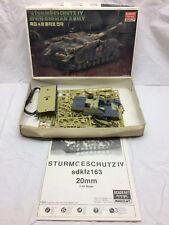 Vintage 1/35 Scale Sturmgeschutz IV German WWII Tank Academy Minicraft