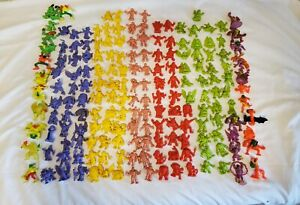 VINTAGE 1990'S HUGE MIXED LOT OF 180 MONSTER IN MY POCKET AND M.U.S.C.L.E  1&2
