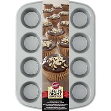 WILTON 12 cup muffin pan with deep plastic cover NEW # 2105-1832 pastry bakeware