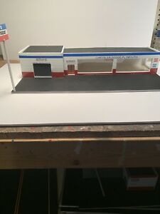 "MUST BE ASSEMBLED "" MOPAR DEALER SHIP DIORAMA FOR 1:64 SCALE cbcustomtoys"