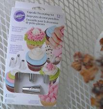 New Wilton Cupcake Decorating Set with 4 tips & 8 bags decorating fun!