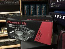 one Pioneer XDJ-700 rekordbox Digital DJ Player  in box  //ARMENS//