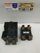 Wadsworth    Pull Out Fuse Holder 60 AMP 2 POLES WITH BLOCK (BOX#F)