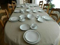 """Kenmark Fine China """"Patrician"""" Dinnerware Set for 8 with 5 Serving Pieces #2 3-2"""