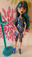 * Monster High Cleo De Nile Foto día Muñeca Plus Soporte *