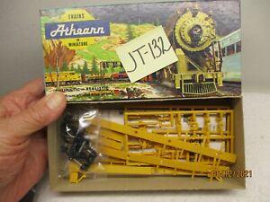 JT-132 Athearn Kit 5556 Impack Ends Trailer Train