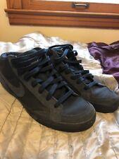Nike Mens Capri Size 9.5