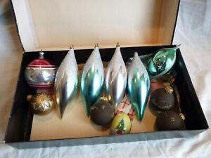 A BOX OF 11 LARGE VINTAGE GLASS CHRISTMAS TREE BAUBLES DECORATIONS, TEAR DROP