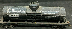 VARNEY HO: Wyandotte SHPX #4084 SINGLE DOME Tank Car, Vintage, Rare, BLACK
